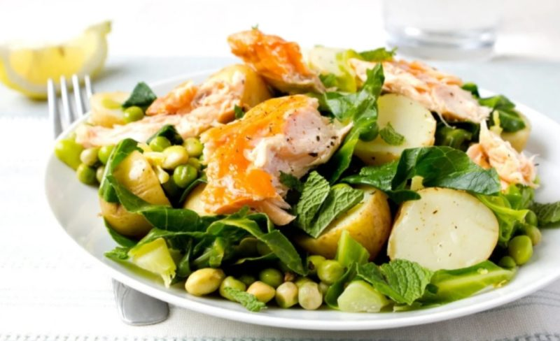 Vegetable salad on a plate - Healthy meals for independent living program California