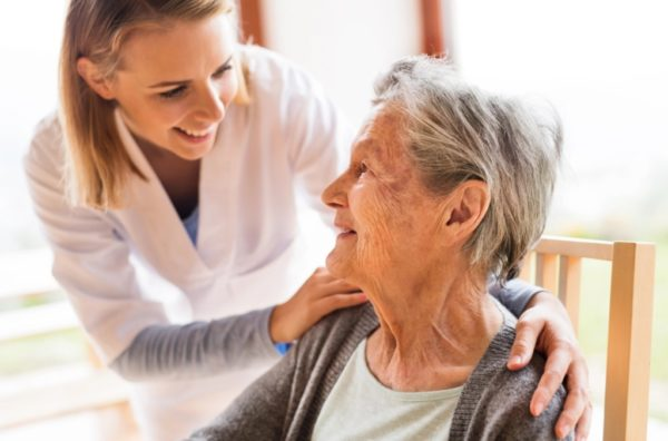 what is dementia - nurse caring for elderly